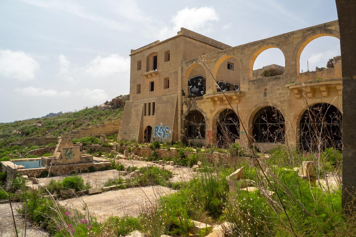 Blick von der Terrasse auf das Haus